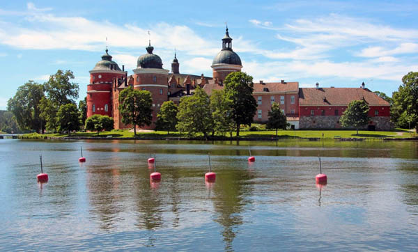 EXCURSIONS  Castles and palaces, Gripsholm Castle