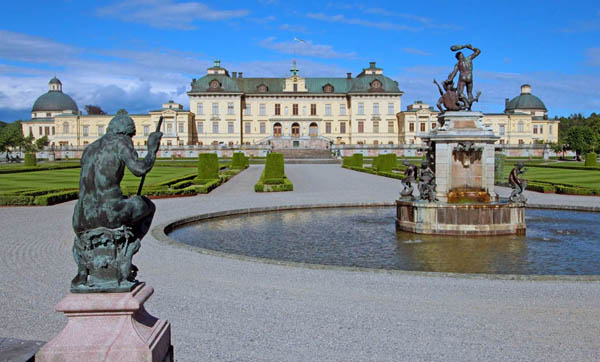 EXCURSIONS  Castles and palaces, Drottningholm Palace